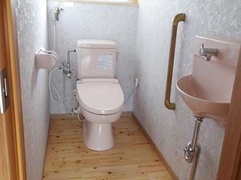 明るいトイレ空間になりました!