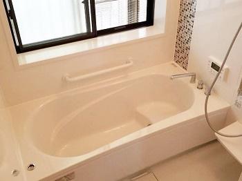 明るいお風呂で子供たちも大喜びです♪